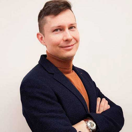 Dr. Lukasz Porwol
